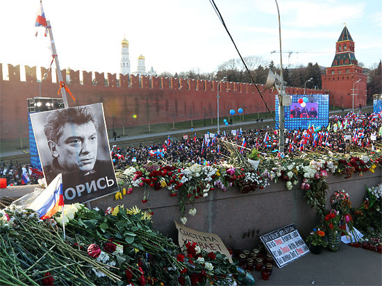Убийство Немцова записала консьержка