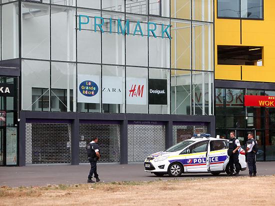 Вооружённые люди захватили магазин под Парижем – заложники освобождены
