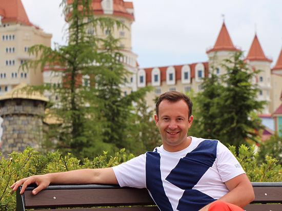 «Так я заработал первый миллион». Депутат Алексей Коробейников– о шансах оппонентов навыборах, поддельном дипломе иежемесячных доходах