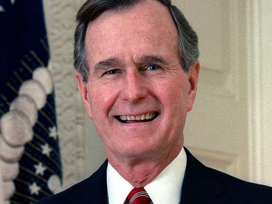 Джордж Буш-старший попал в больницу с переломом шейного позвонка