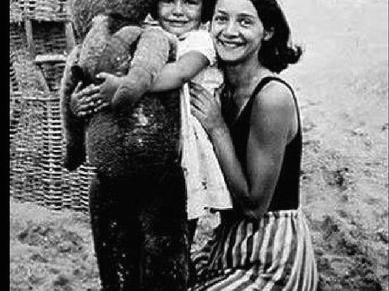 3000 еврейских детей были депортированы французами в газовые печи Освенцима.  День в истории
