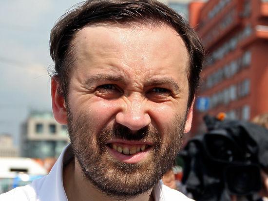 Илья Пономарев прокомментировал заочный арест