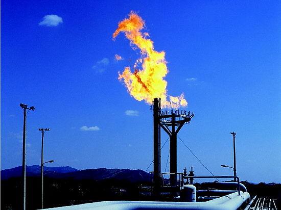 Как рост цен на голубое топливо аукнется экономике и населению