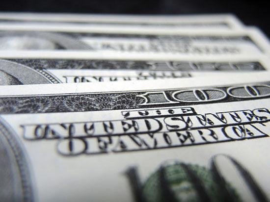 Эксперт: доллар скоро будет снова стоить 65 рублей