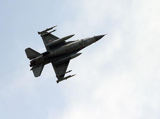 НАТО одобряет борьбу Турции против «Исламского государства» и курдов