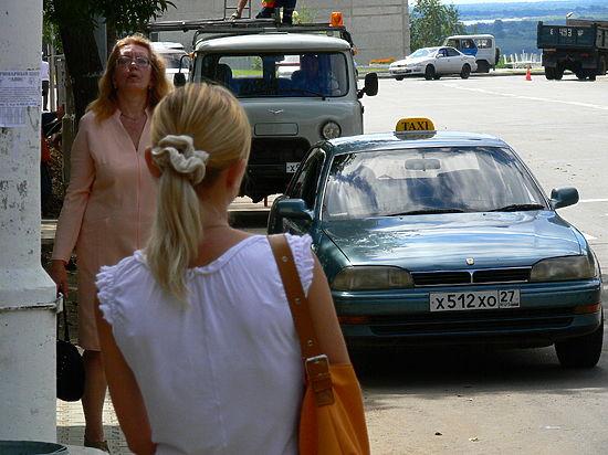 Хабаровские водители и пассажиры ежедневно экономят на безопасности