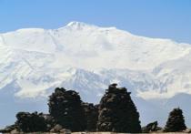 При спуске с пика Одесса погибли три альпиниста из Москвы