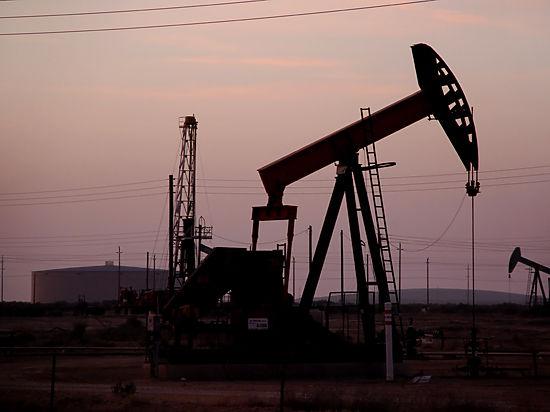 Цены на нефть растут в ожидании данных об американских запасах