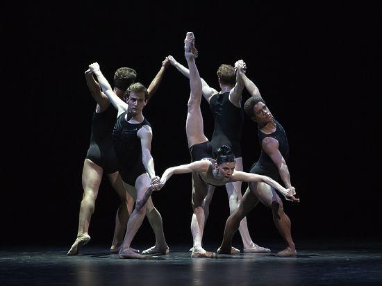 Эксцентричный танец на костях