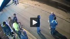 Известный в Челябинске хоккейный болельщик попал в реанимацию после уличной драки