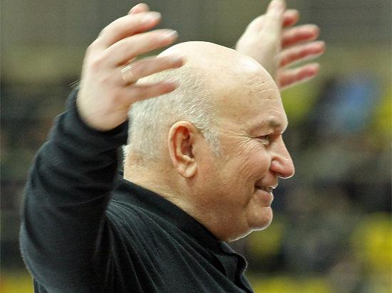 Лужков открывает на калининградском рынке точку по продаже собственной гречки