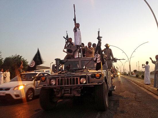 Боевики ИГИЛ в Мосуле казнили 300 сотрудников Центризбиркома Ирака