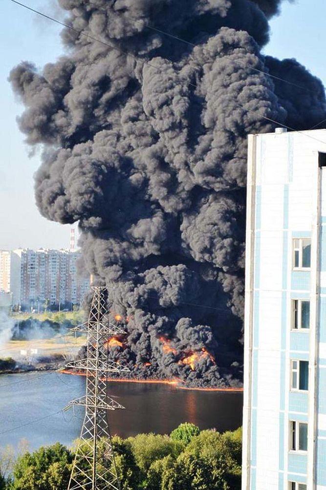 В Марьино произошел сильный пожар