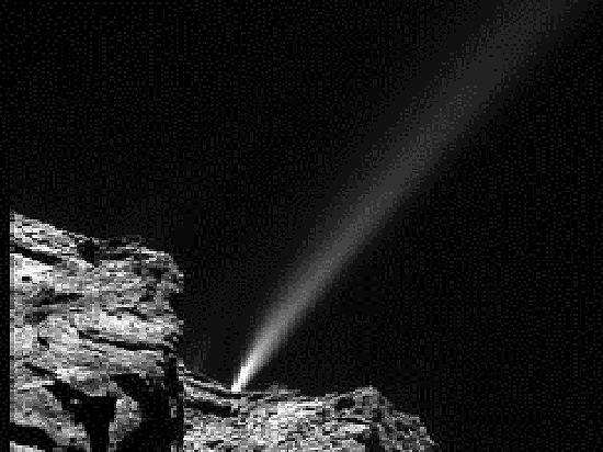 Комета взорвалась при встрече с Солнцем