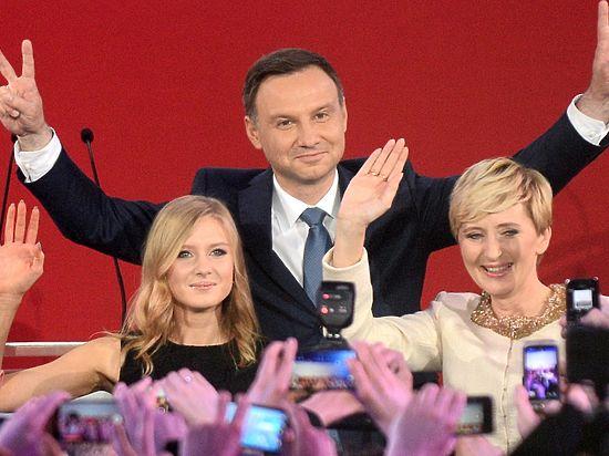 Новый польский президент начинает большую игру