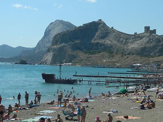 Как проходит курортный сезон в Крыму - 2015: все о Судаке и Новом Свете