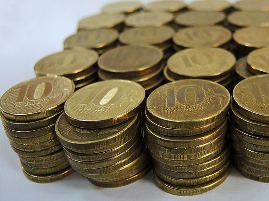 Российский рубль стал национальной валютой ЛНР. Что будет с курсом