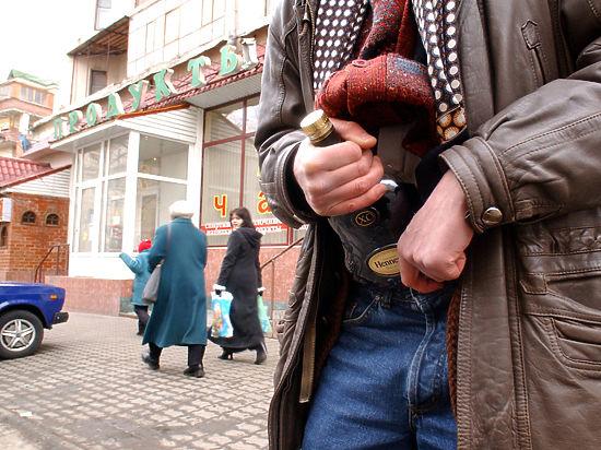 В кризис магазины атаковали воры-гурманы с сумками из фольги