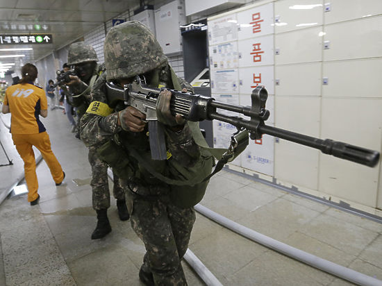 Южная Корея изготовилась к войне с КНДР после пограничного обстрела