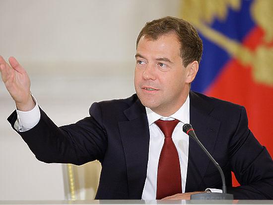 Медведев на Курилах выступил против переименования Дальнего Востока