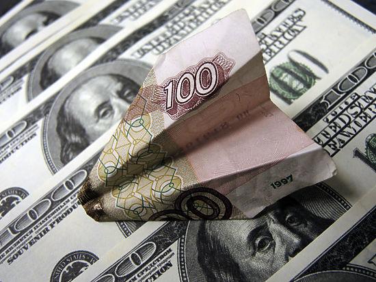 Рубль ставит печальные рекорды
