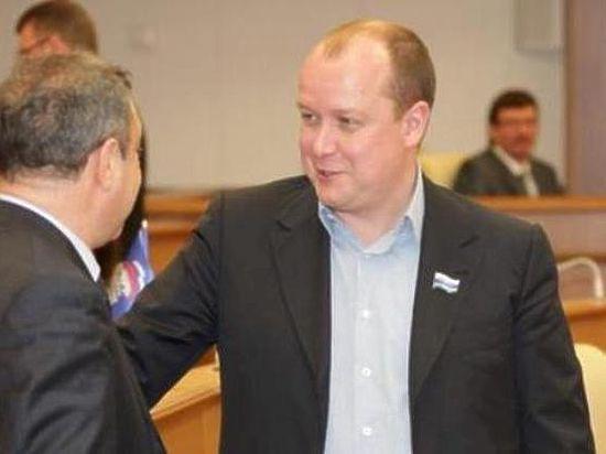 Черный четверг депутата Ушакова. Свердловского «справедливоросса» подозревают в краже миллиардов