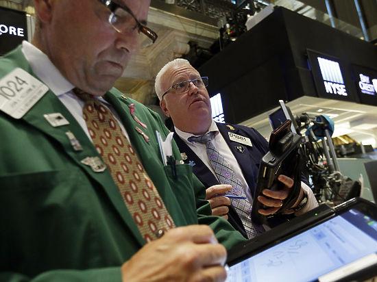 «Господа, просим не отстегивать ремней»: переполох на мировых финансовых биржах