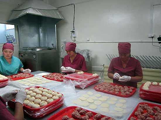Закаменский мясокомбинат впервые  в Бурятии начал производство блочного мяса