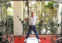 """Американцы назвали """"чепухой"""" тренировку Путина на силовом тренажере"""