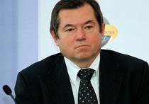 Ввести ограничение на покупку валюты юрлицами и заморозить цены на ряд товаров предложит в своем докладе советник президента Сергей Глазьев