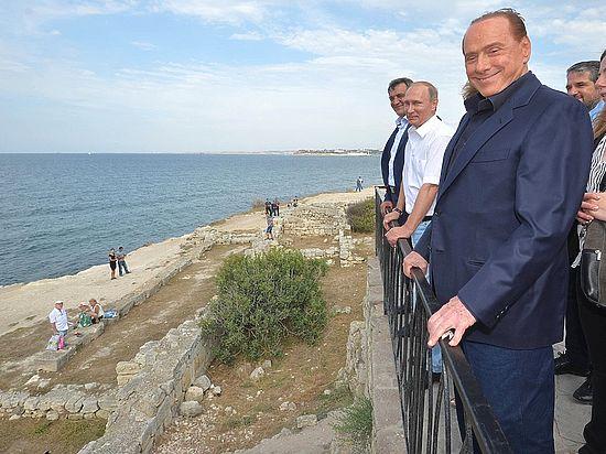 Как Берлускони вышагивал по Крыму с Путиным без повестки