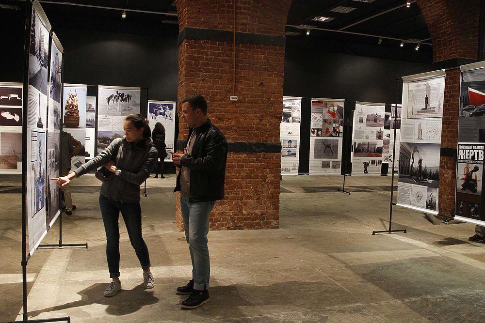 Публике показали проекты памятника жертвам политических репрессий в Москве
