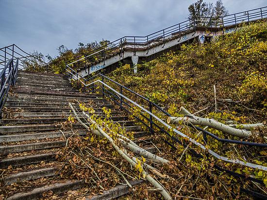 В Барнауле обсудили проект туркластера и снесли лестницу на ВДНХ