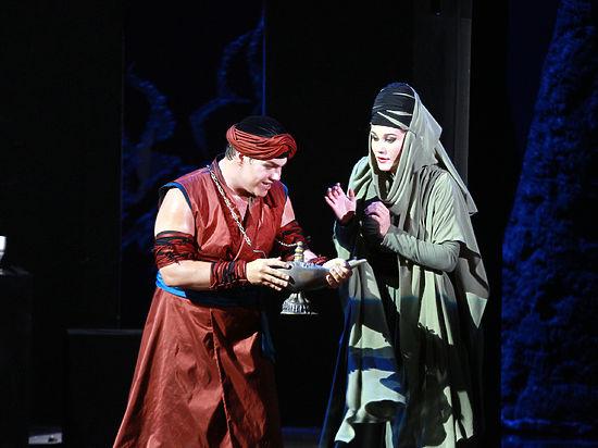 Полет на ковре-самолете: в Москве прошла премьера оперы Нино Рота