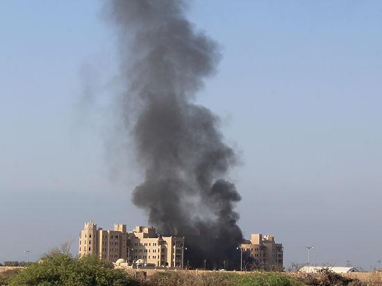Резиденцию премьера Йемена расстреляли из гранатомета, есть жертвы