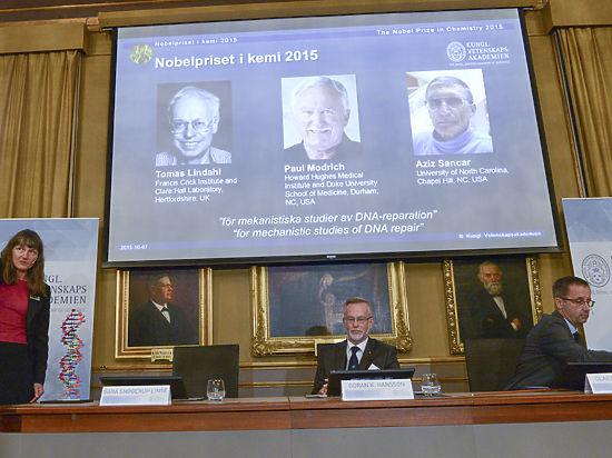 Нобелевская премия по химии присуждена за восстановление ДНК