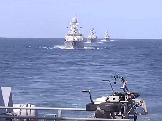 Военные корабли России разнесли командные пункты и склады террористов