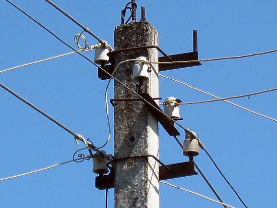 Блокада Крыма: украинские энергетики начали отключать электровышки