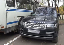 В брошенном автомобиле красногорского стрелка нашли арсенал оружия