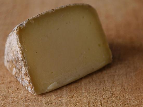 Иранский сыр заменит на прилавках санкционный швейцарский