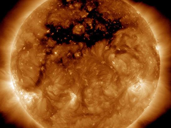 Нашей планете грозит бурей корональная дыра размером в 50 Земель