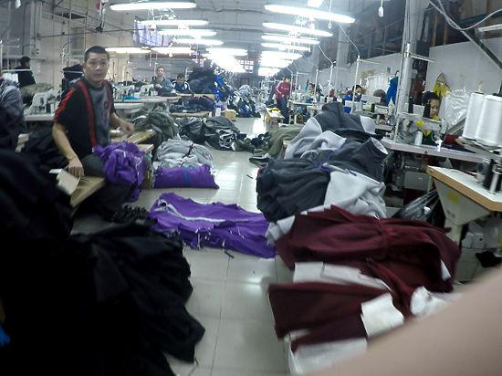 «Адидас». Made in Revda. В свердловском городе подделывают иностранную одежду и едят кошек