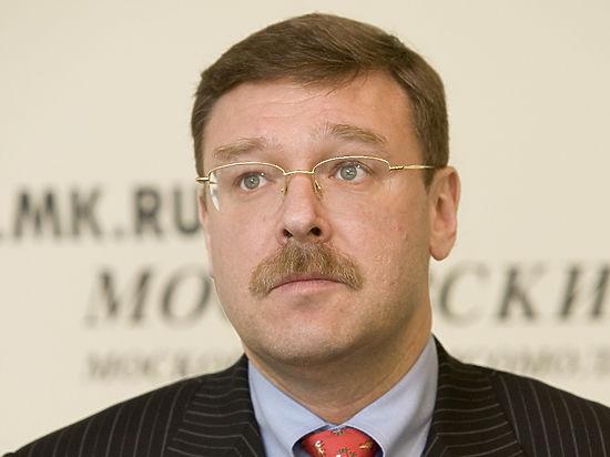 Он сравнил американские обсуждения российской операции в Ираке с заявлениями Кремля по Украине