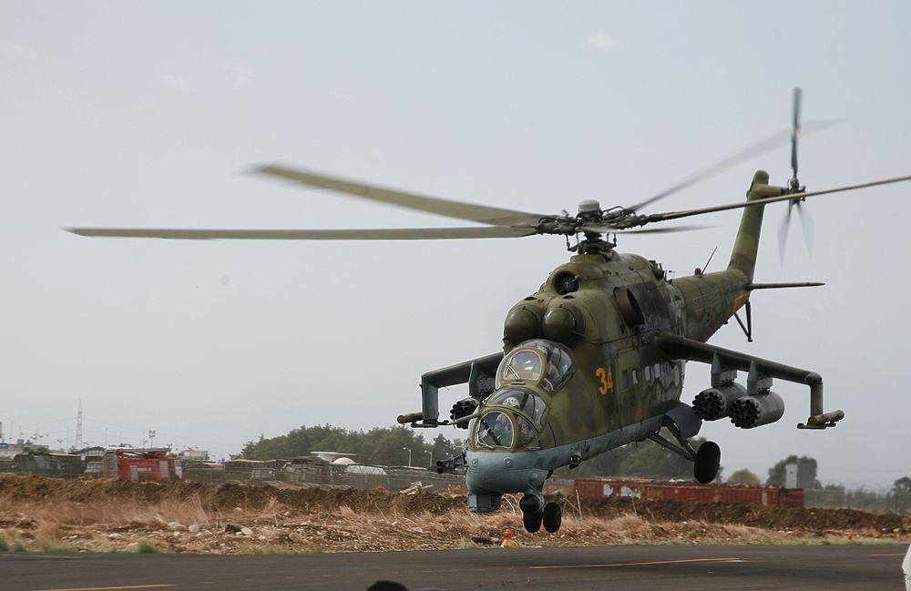 Российские вертолеты Ми-24 на базе в Сирии