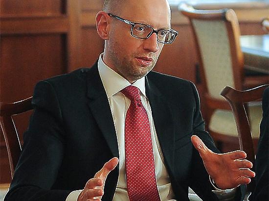 Украинский премьер пообещал объявить мораторий на выплату долга России