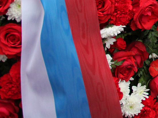 Погибшего в Сирии контрактника похоронили в России с почетным караулом