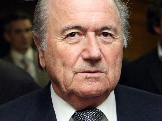 Президент ФИФА Блаттер обвинил Платини в коррупционных скандалах вокруг организации