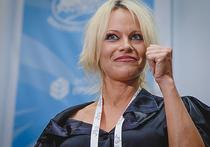 Памела Андерсон опубликовала откровенную фотографию в честь излечения от гепатита