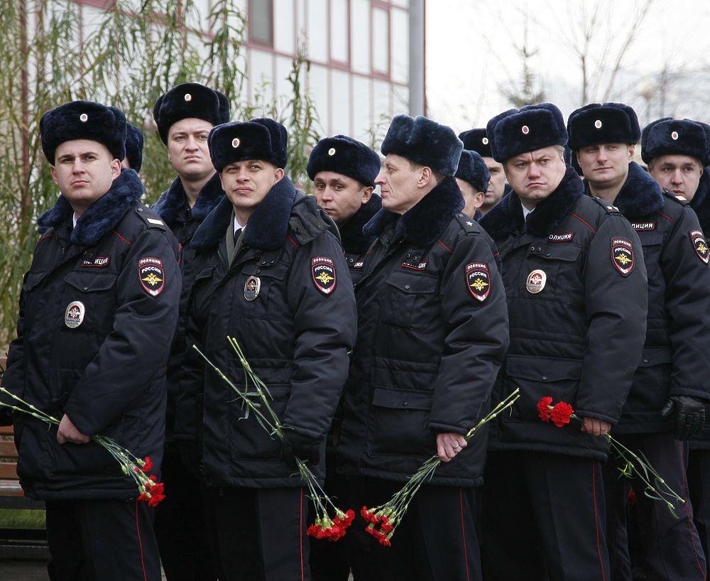 В Москве простились с жертвой бандита полицейским Виктором Разудаловым