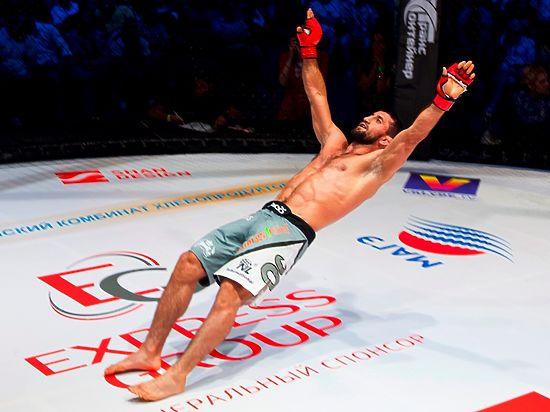 Один из самых известных бойцов MMA откровенно пообщался с Алексеем Сафоновым